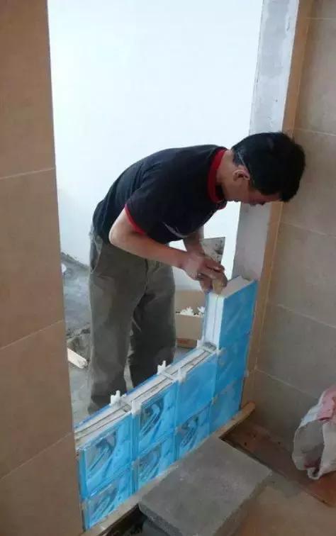 通透的玻璃砖,如何施工铺贴?
