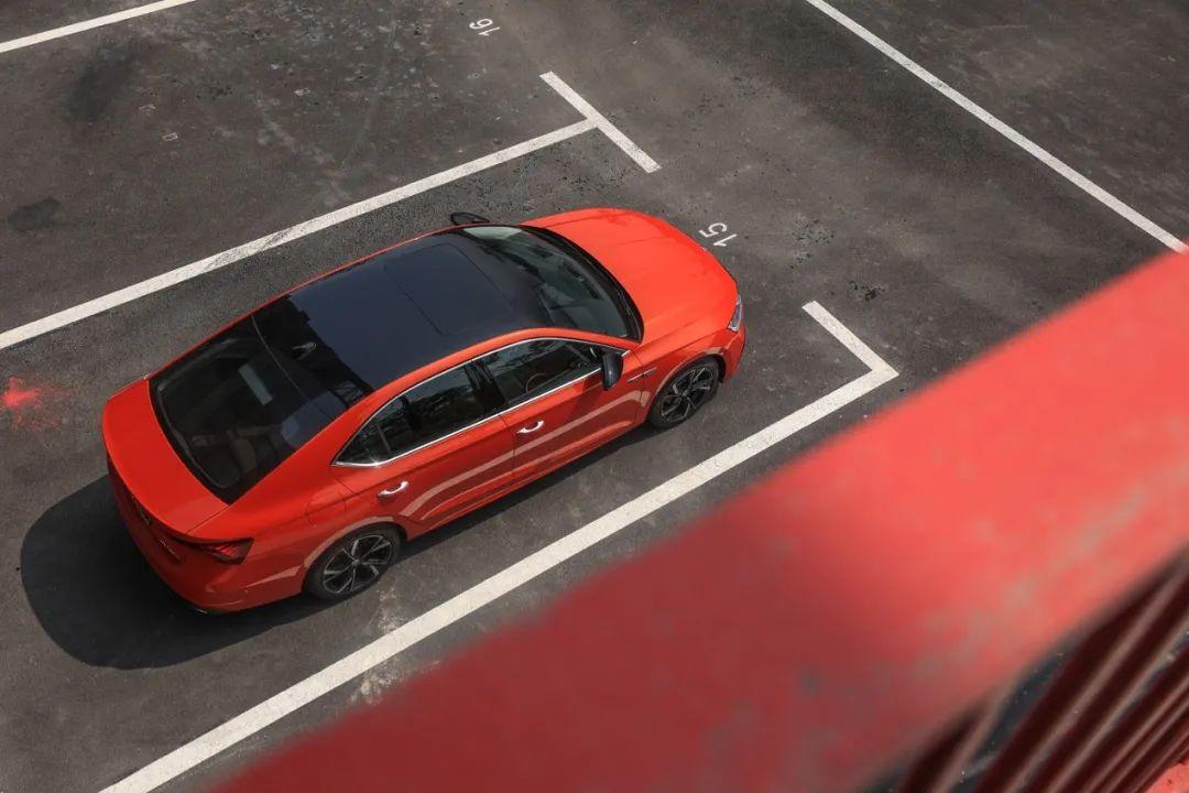 售价13万、空间堪比中型轿车,这款德系品牌车型换代后变化巨大