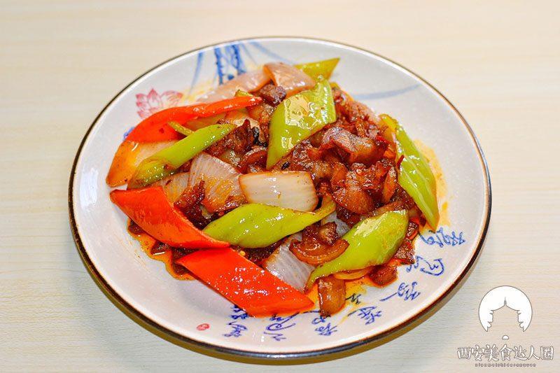 五花肉这样炒,简直太香了,一锅米饭都不够吃 美食做法 第2张