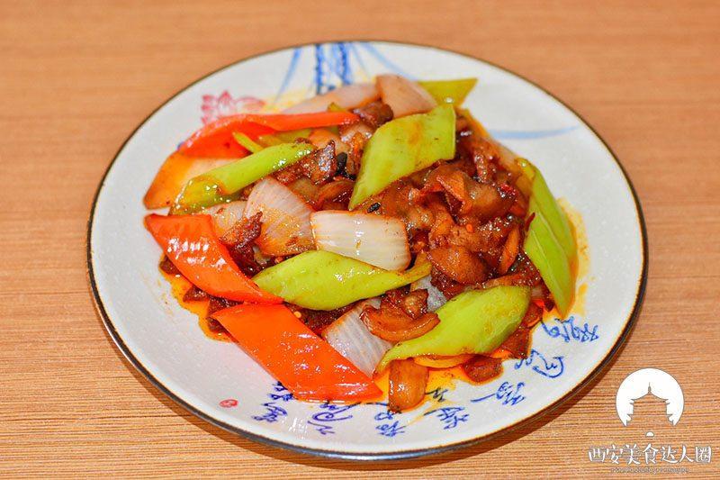 五花肉这样炒,简直太香了,一锅米饭都不够吃 美食做法 第1张