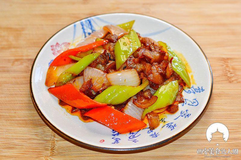 五花肉这样炒,简直太香了,一锅米饭都不够吃 美食做法 第14张