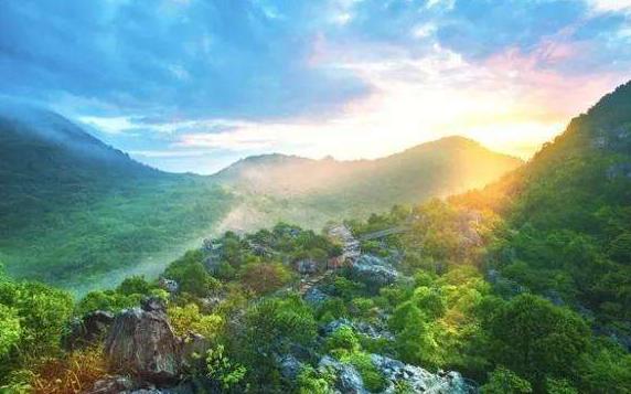 浙江省一个县,人口超20万,因一座山而得名!