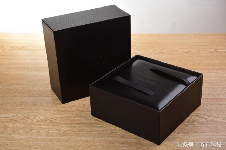 黑白根订制版的iPhoneX拆箱感受:13888元值不值?