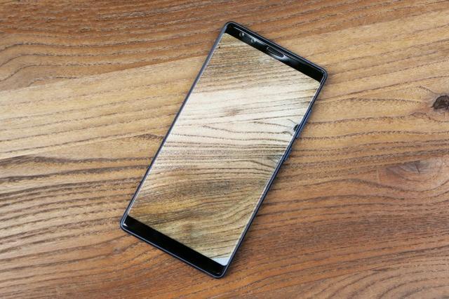 从nubia无边框手机的发展趋势回望,看全面屏手机3.0将有什么自主创新提升
