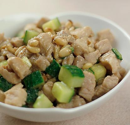 松仁炒黄瓜做法步骤图厨师长教做正宗剁椒鱼头处理鱼头和