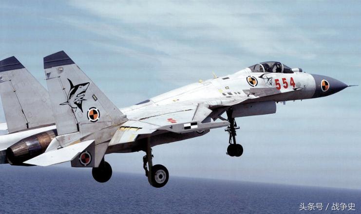 雄鷹還是菜鳥?備受爭議的國產殲-15戰斗機的真實情況探秘