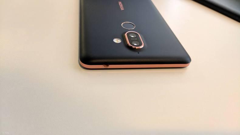 P60 曲面屏手机!Nokia999元新手机上市