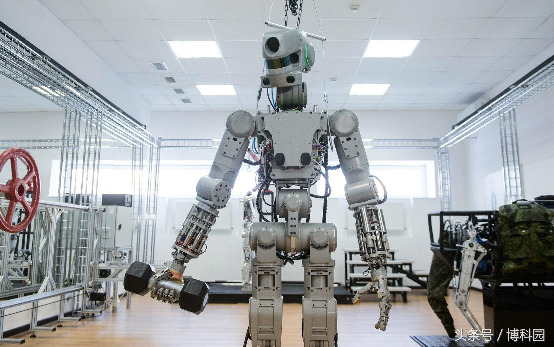 这些持枪、举重的机器人可能会在2019年飞上太空