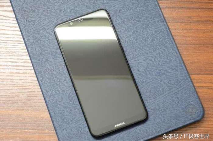 """NokiaX5简易拆箱,""""猛料十足""""的1000元旗舰级"""