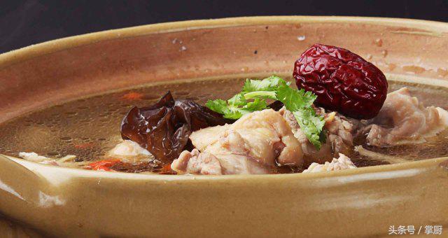 金牌美食之徽菜:石耳炖鸡,家宴的完美压轴