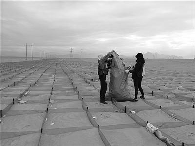 甘肃小夫妻守护长江源6年——6年来和其他志愿者从长江源带走60万件垃圾
