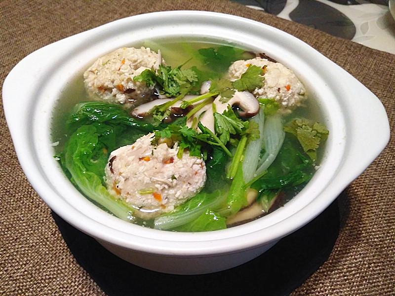 清汤豆腐丸子 过节吃完大鱼大肉 最适合吃这道菜了