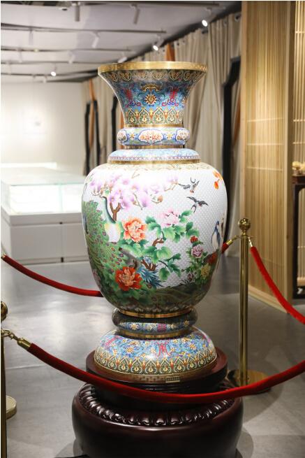 中国非遗景泰蓝大师精品展在京开幕