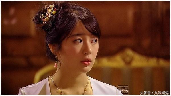 尹恩惠再回归荧屏,曾经的绯闻男友金钟国人气依旧,可她却变了!