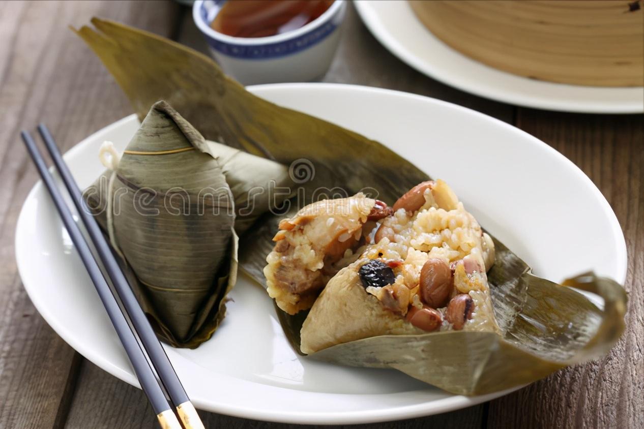 煮粽子,不要只会用清水,记住2个窍门,粽子软糯香甜,不夹生 美食做法 第3张