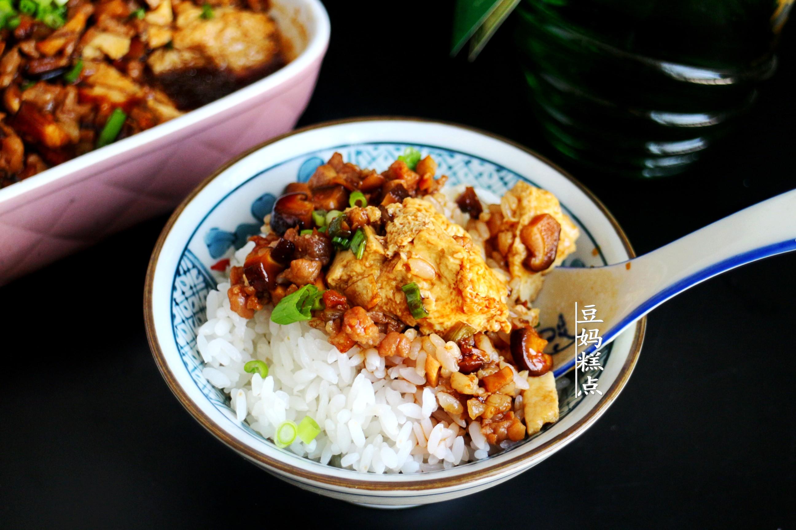 冷天,豆腐和雞蛋一起蒸,簡單又營養,孩子連吃2碗米飯