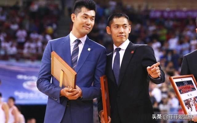 中国男篮08黄金一代再少一人!三分神射宣布退役 仅剩易建联