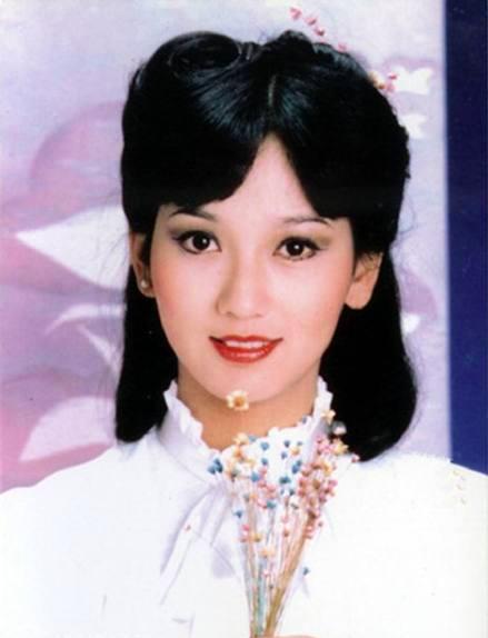 TVB七十年代的四大花旦,除了赵雅芝,其他三位年轻时也超美的