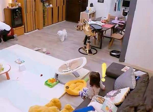 賈靜雯豪宅裝修太美了,客廳沒有茶几,入門就是餐廳,真接地氣