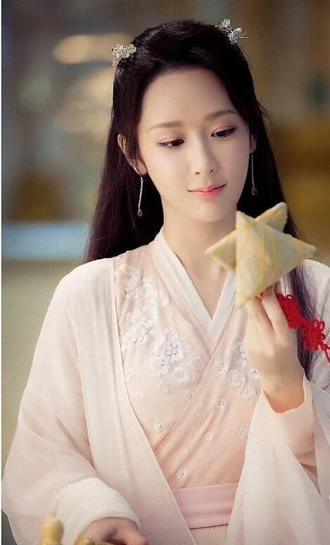杨紫确定出演《沉香如屑》,成毅粉丝却爆料她抢了女二叶青的戏