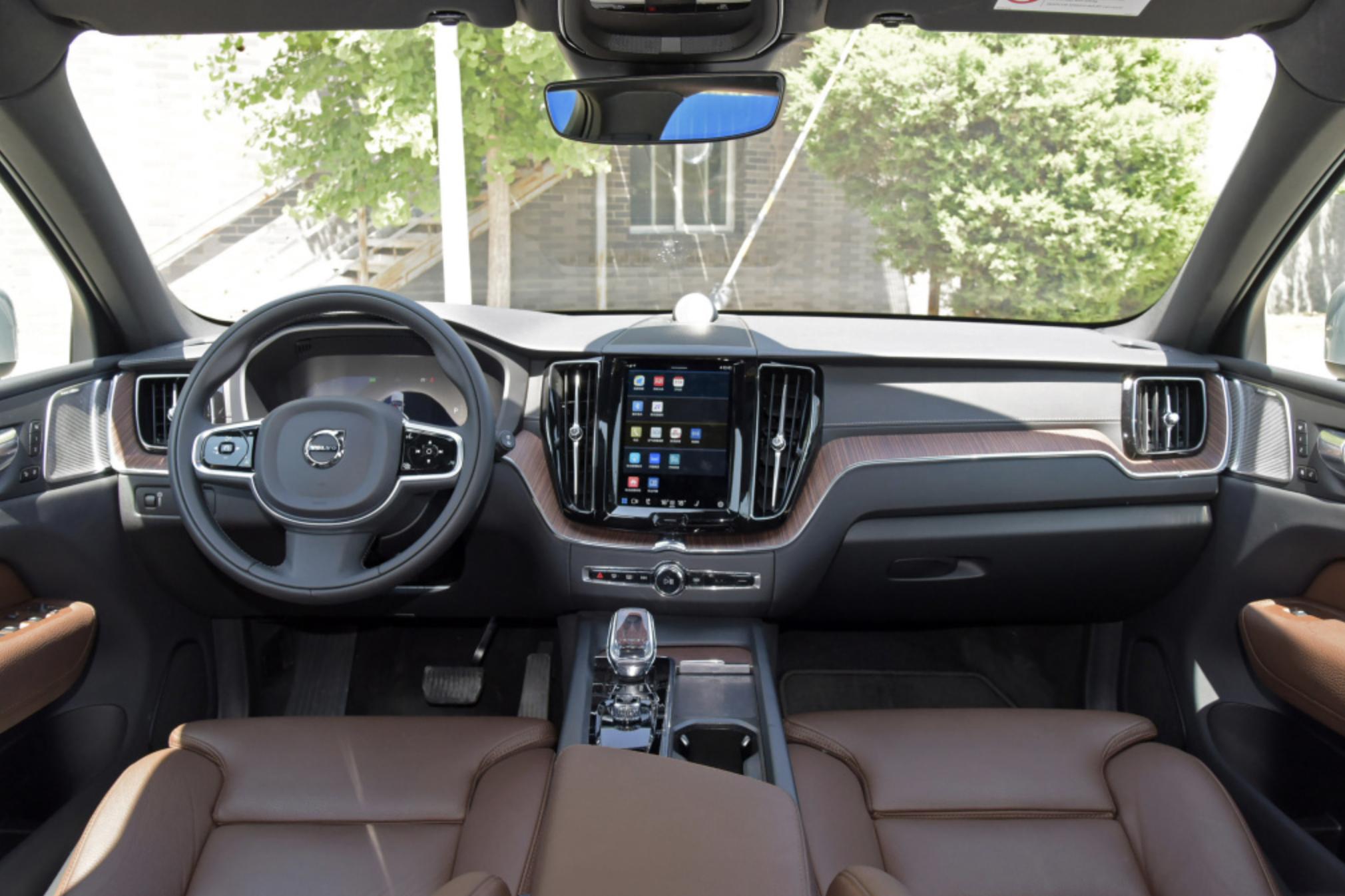 2022款沃尔沃XC60来了,动力与配置全面升级,40万元买它值不值?