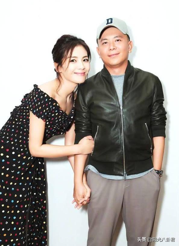 传王珂投资亏掉12亿,夫妻俩被曝离婚?刘涛辟谣因父亲去世感伤