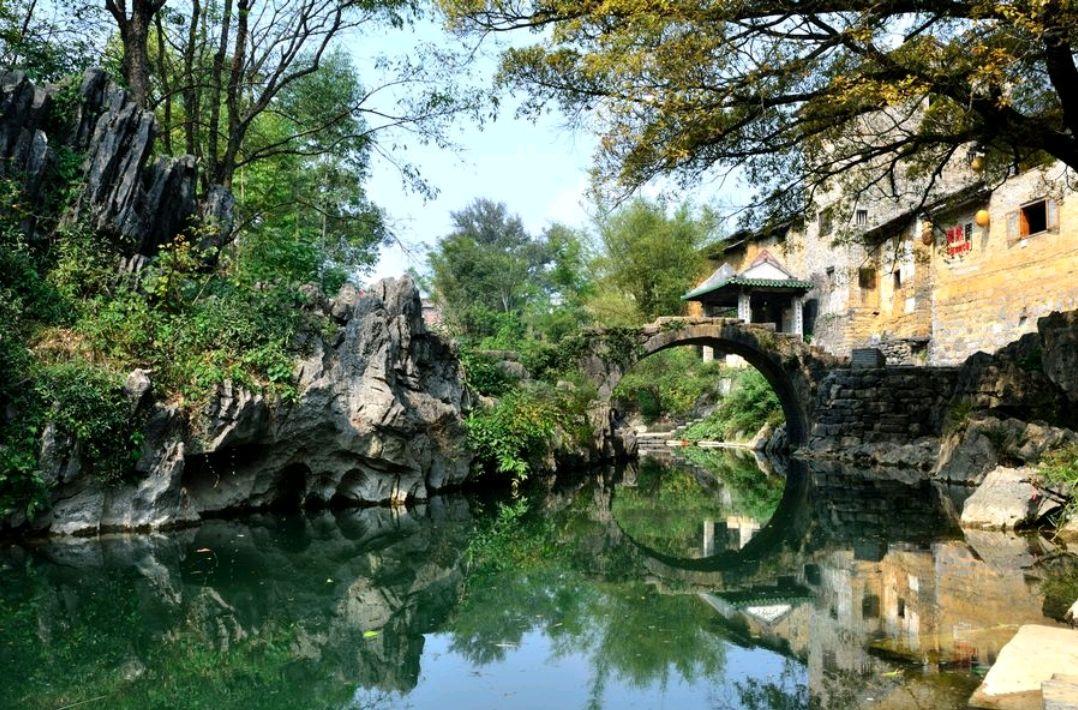 """中国3处""""风韵名镇""""旅行地,独自一人也要走起,感受古镇的底蕴"""