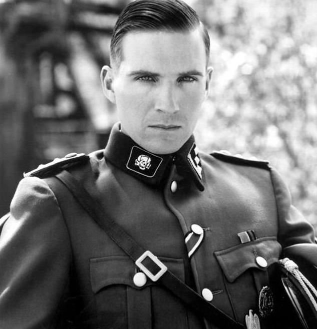 二战德军的军服是谁设计的?华丽的军服外表下,是罄竹难书的罪恶