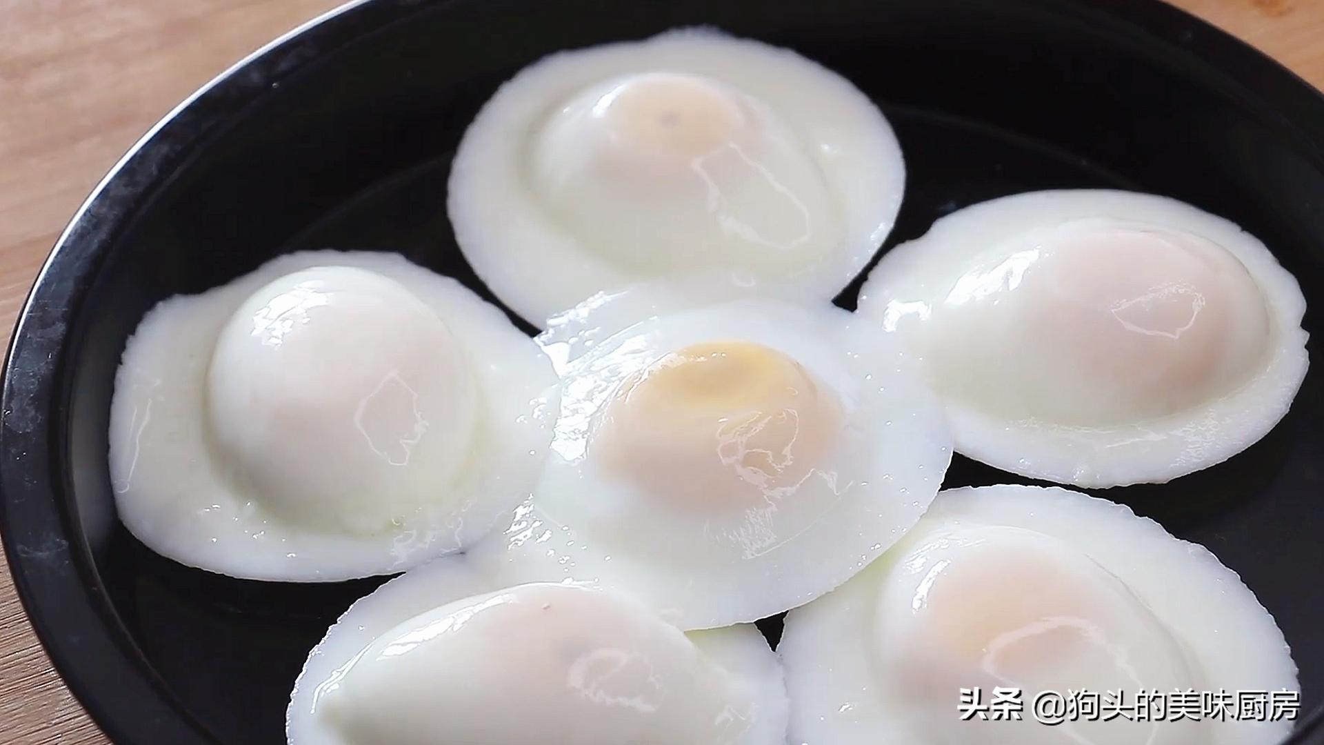 婆婆做的荷包蛋圆润不散,看了做法后,才知道方法用得不对 美食做法 第2张