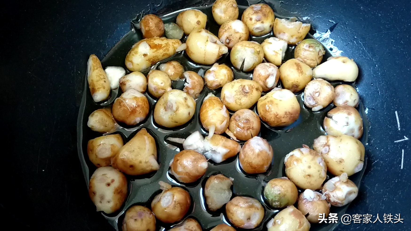 在家吃鸡,我家孩子爱这一个做法,锅盖一盖,香气四溢,太好吃了
