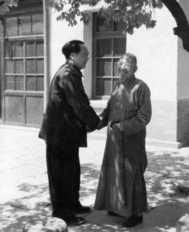 毛泽东《沁园春•雪》遭蒋介石御用文人围剿,郭沫若陈毅和词反击