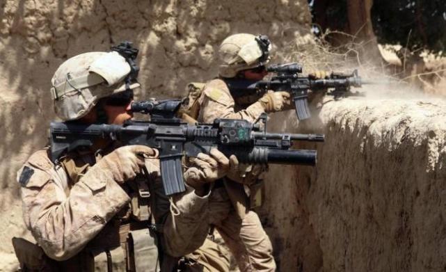都是战术手套,为何美军用全指手套,而我们却用半指手套?