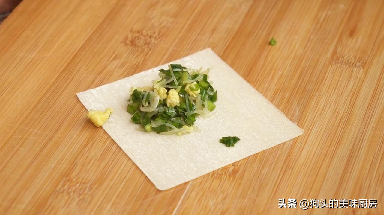 15分鐘教你做懶人炸春捲,不和麵不餳面,酥脆鮮美,好吃不油膩
