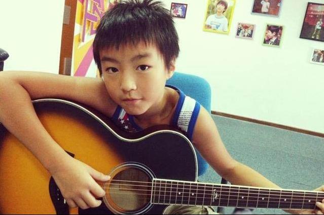 王俊凯说拜托你们少点关注我年轻时候吧,网友:谁有图,求分享
