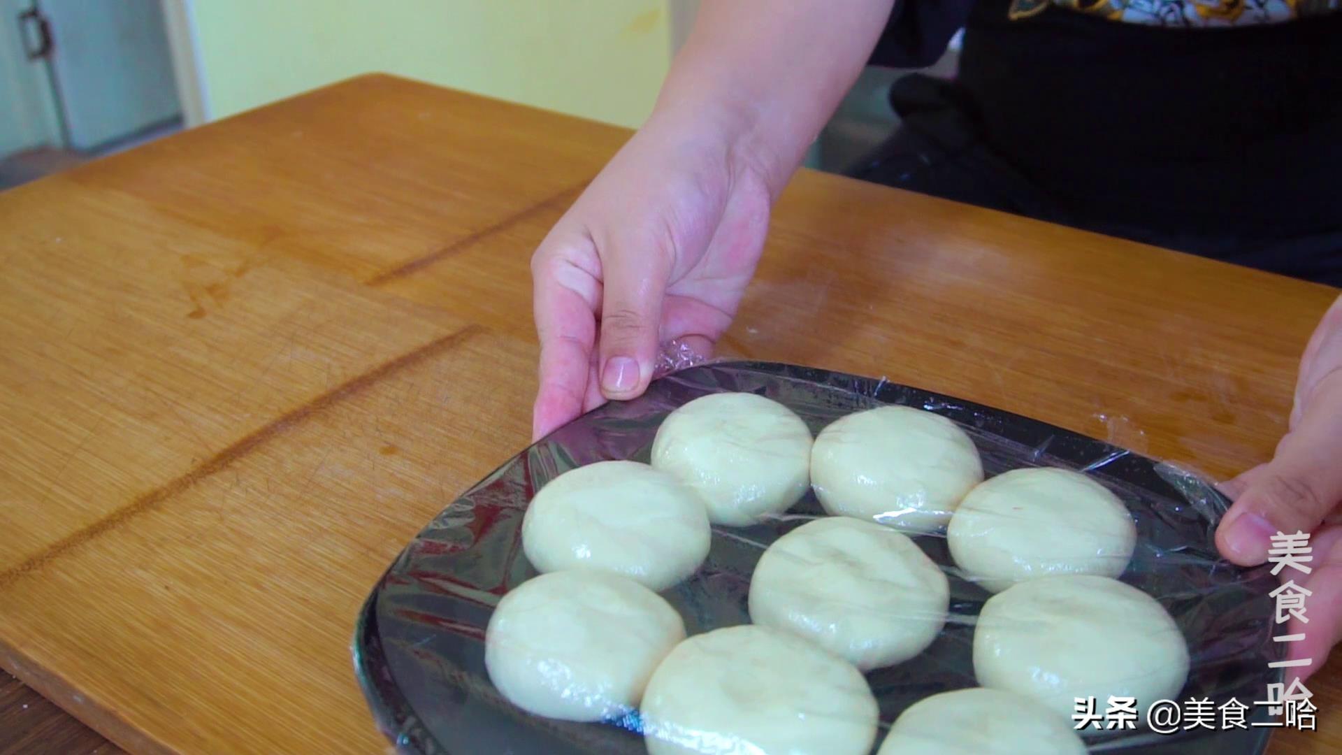 绸带鸡蛋饼:下锅10秒就能熟,滑软的就像绸缎一样,适合做早餐 美食做法 第6张