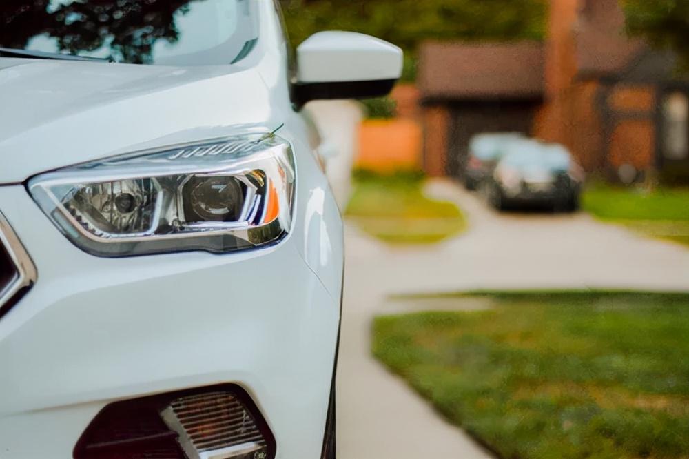 白色汽车怎么保养?老司机告诉你:注意这些就够了