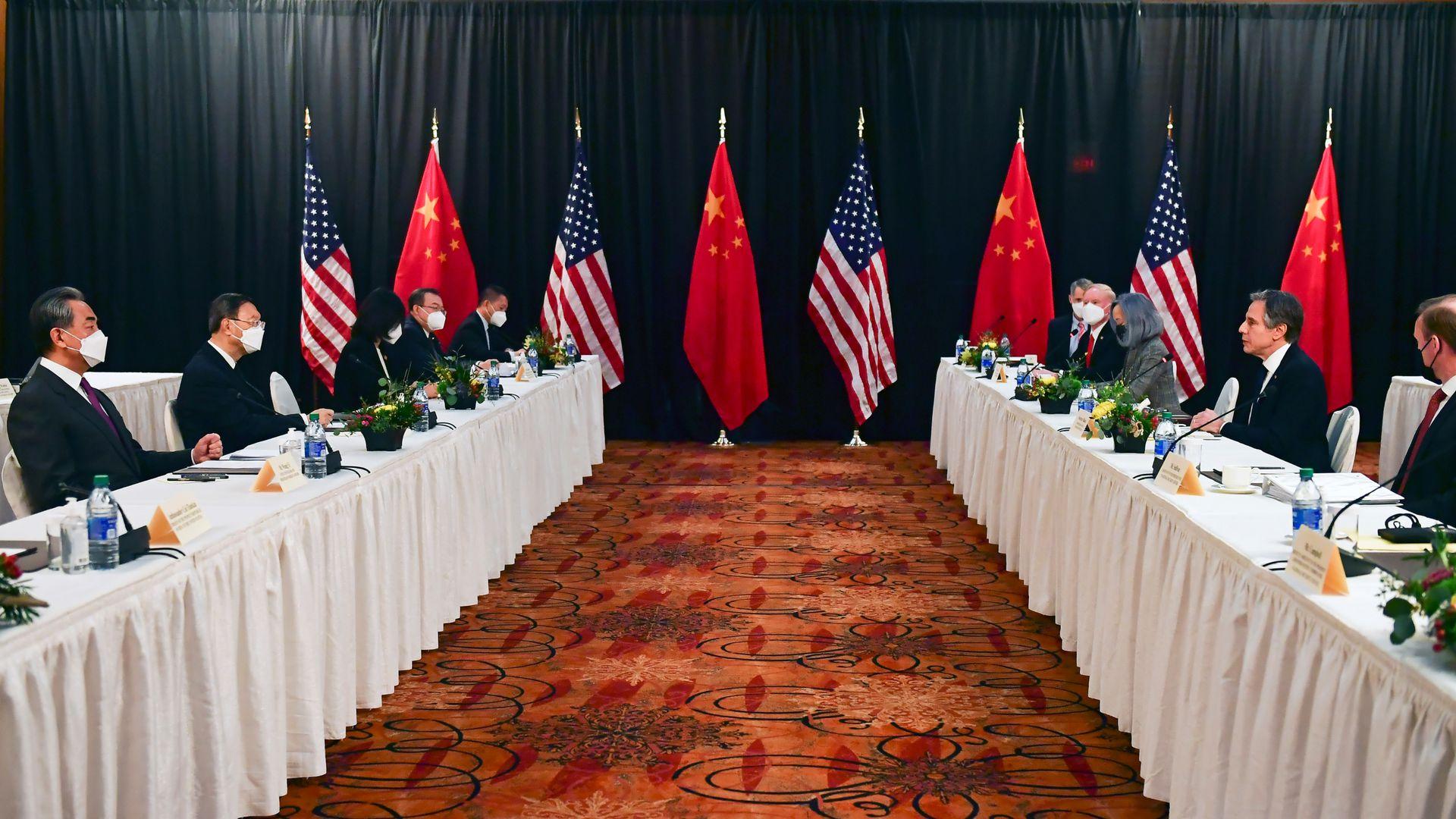 """中美展开激烈交锋,俄罗斯却""""左右逢源"""",普京或成为最大赢家?"""