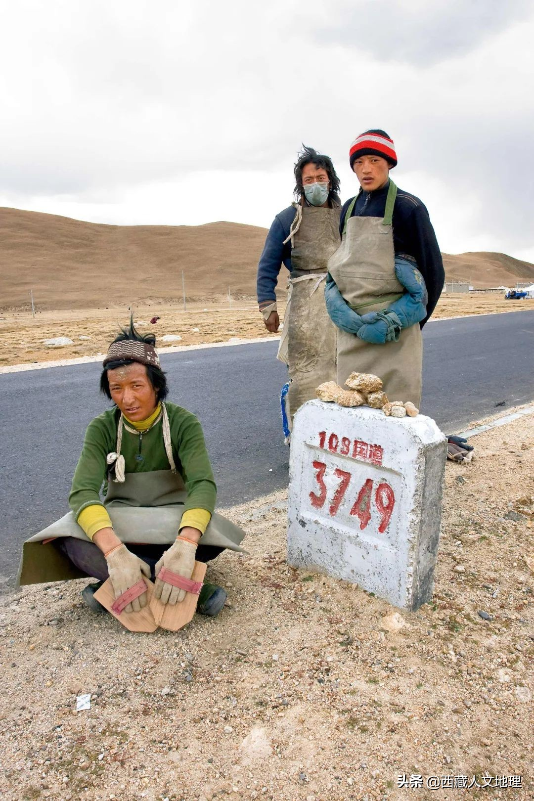自驾青藏公路回家过年扎西君告诉你这条路藏着的故事 全网搜