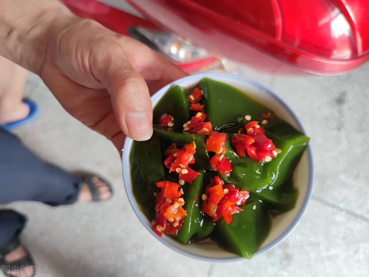 """神仙树叶:夏季做""""凉粉""""是一绝,俗称""""神仙豆腐"""",附制作方法 美食做法 第4张"""