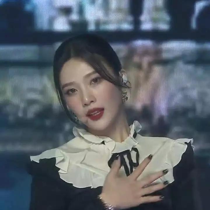 再次美出新高度,SM年初舞台这位女团成员因太美成焦点
