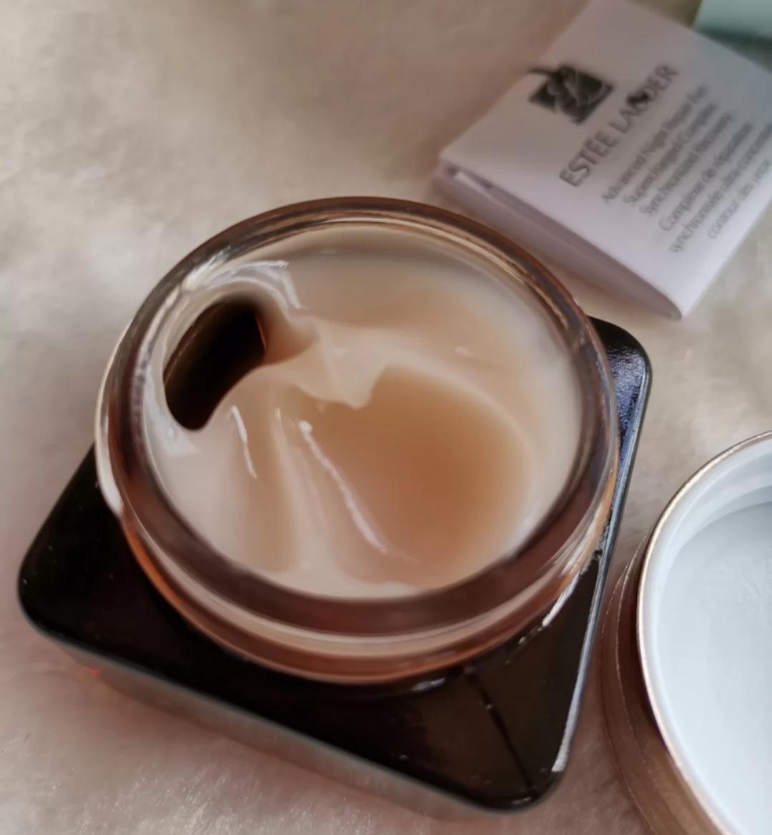 雅诗兰黛眼霜VS科颜氏牛油眼霜,哪款更好?它们主要有这些区别