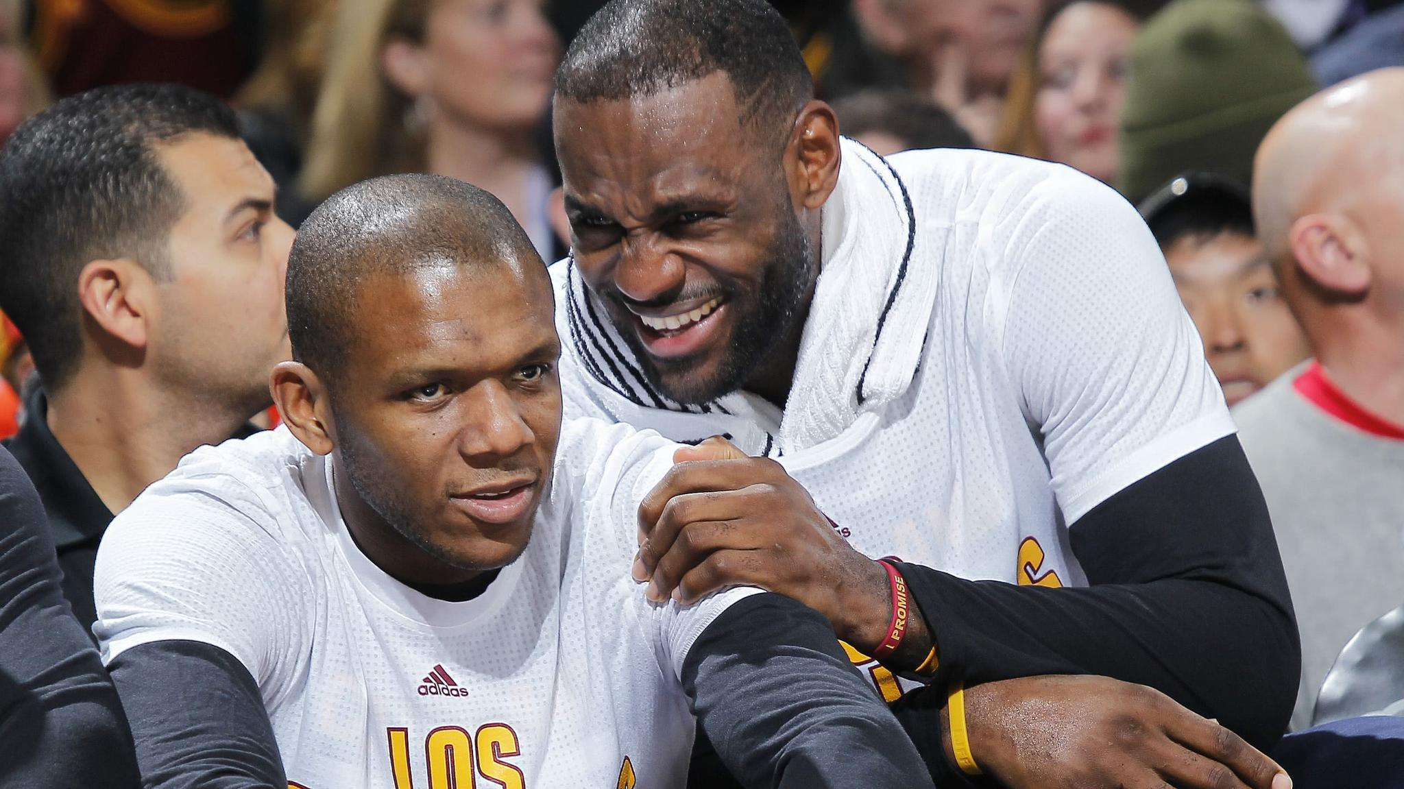實力不強卻沒人不服!NBA五大更衣室領袖,他敢當面批評詹姆斯!-黑特籃球-NBA新聞影音圖片分享社區