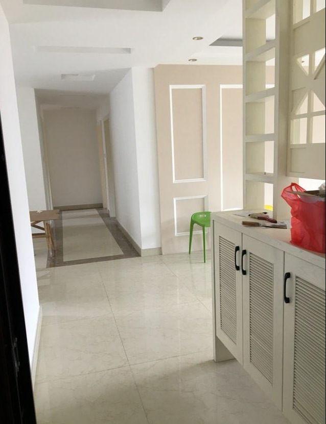 花11万装112平新房,找熟人装的不错,清爽干净,收纳柜很实用