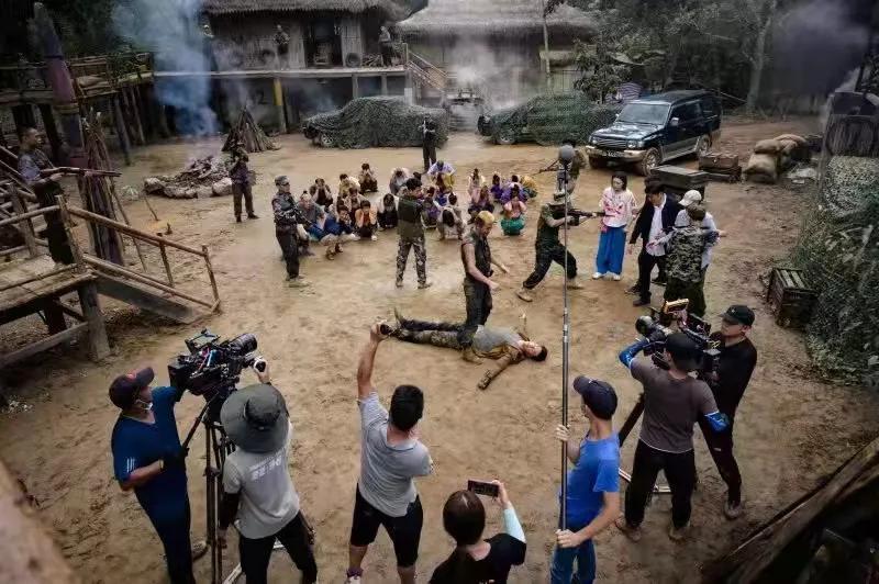 院线电影《龙行天下之战龙决》于西双版纳顺利杀青