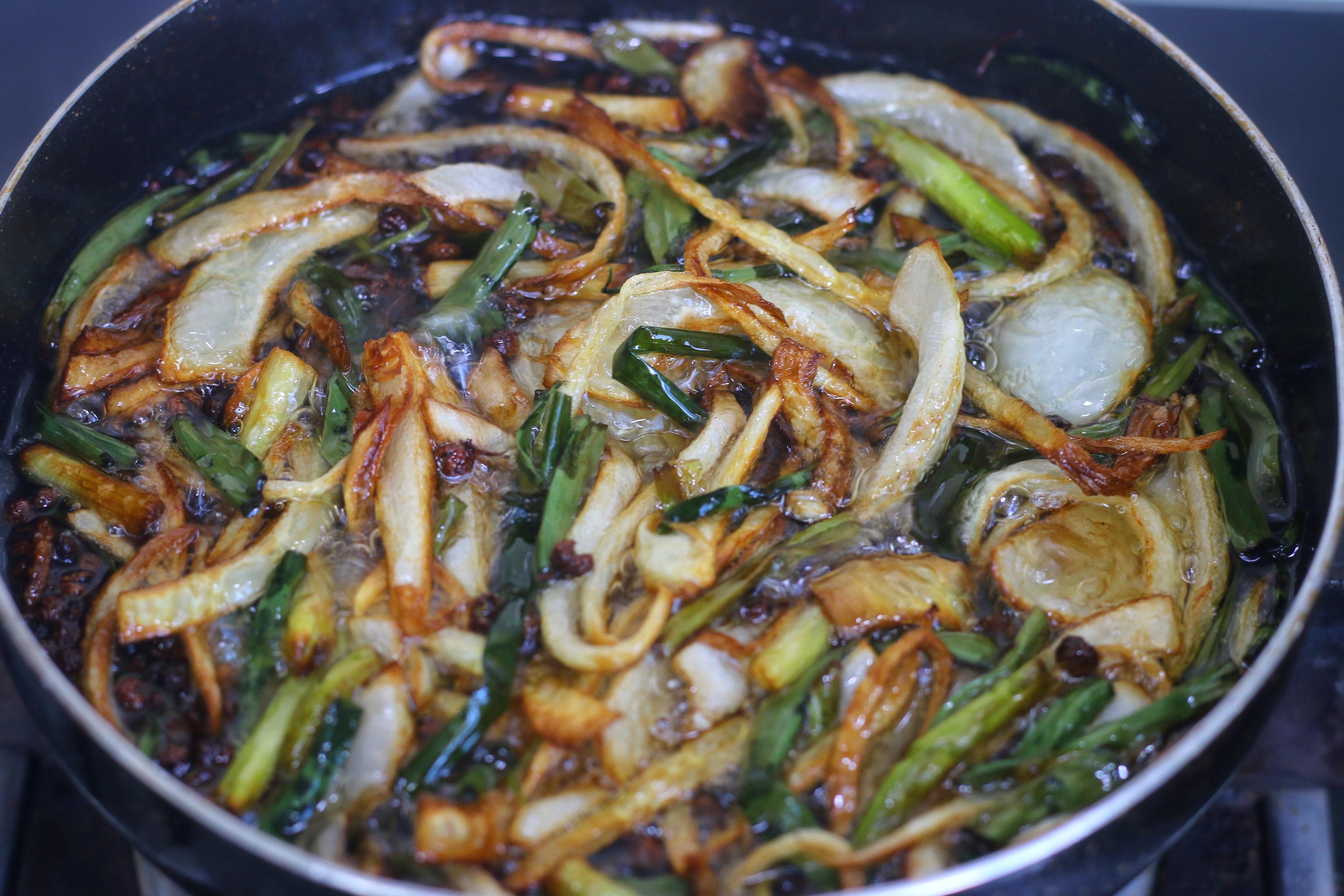学会炸万能凉拌油,拌什么菜都好吃 减肥菜谱 第5张