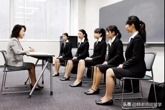 你知道日本人为什么夏天还穿西服?难道他们都不热的吗?