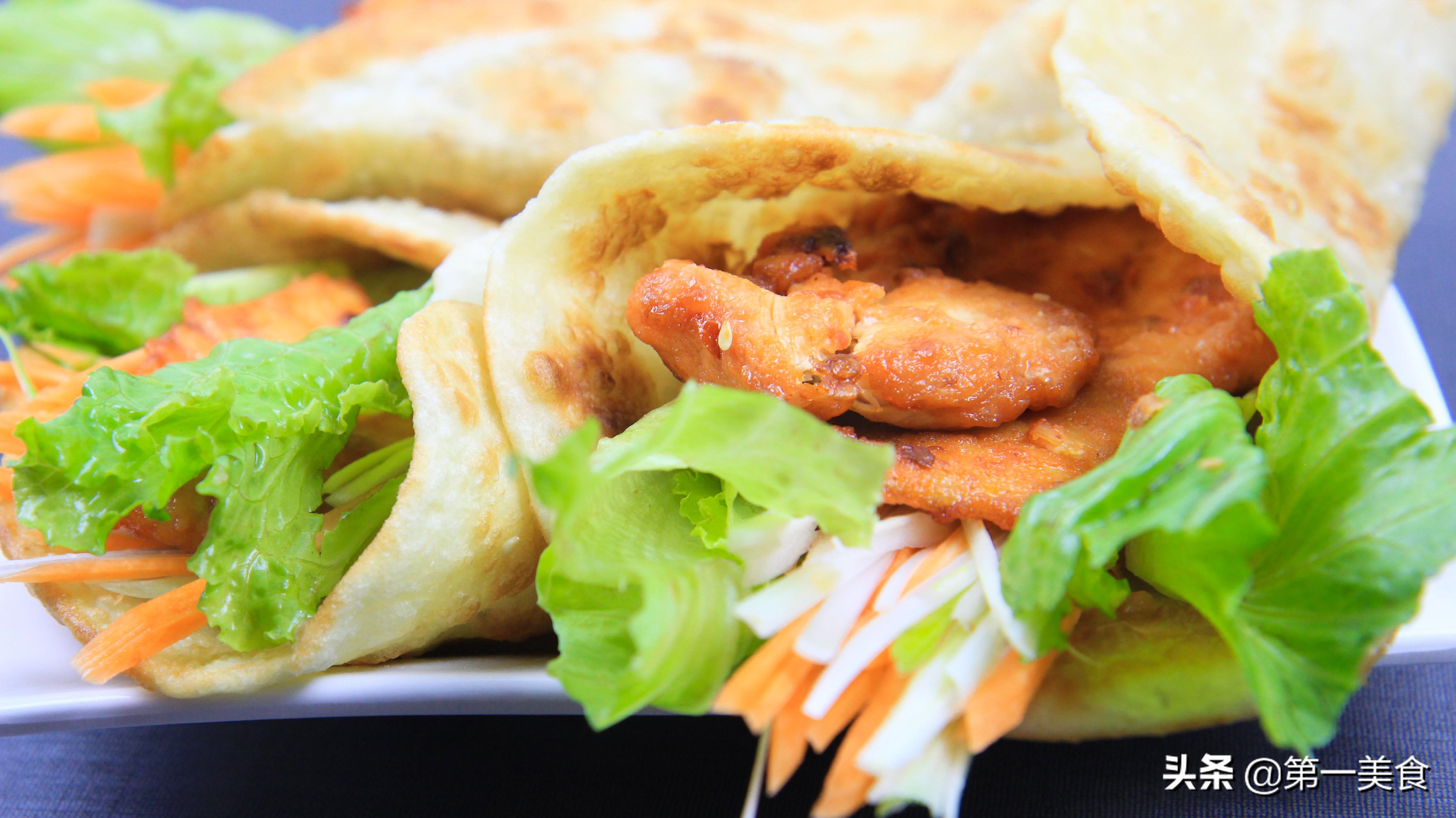 厨师长分享青菜鸡肉卷做法 早餐来一份香酥又美味 营养均衡
