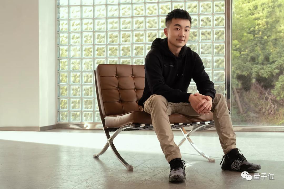 安卓之父的手机创业项目卖了!这个华人接手,谷歌风投还投了钱