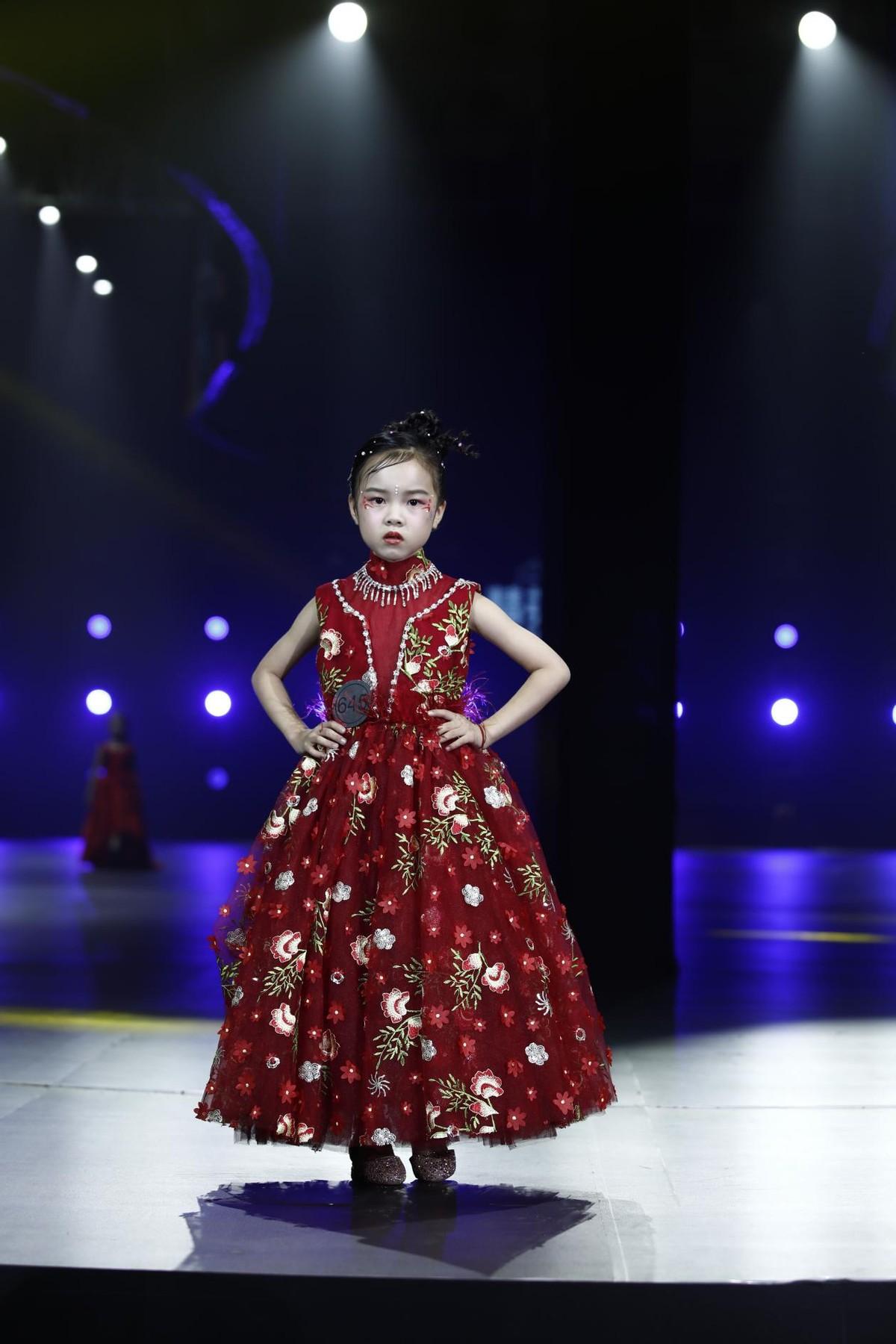 2021精英童模超级联赛 全球代言人——陈艺嫣
