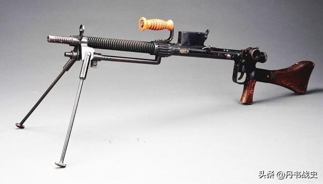 这样的二战老装备你认识吗?看起来似曾相识,却又搞不清楚型号
